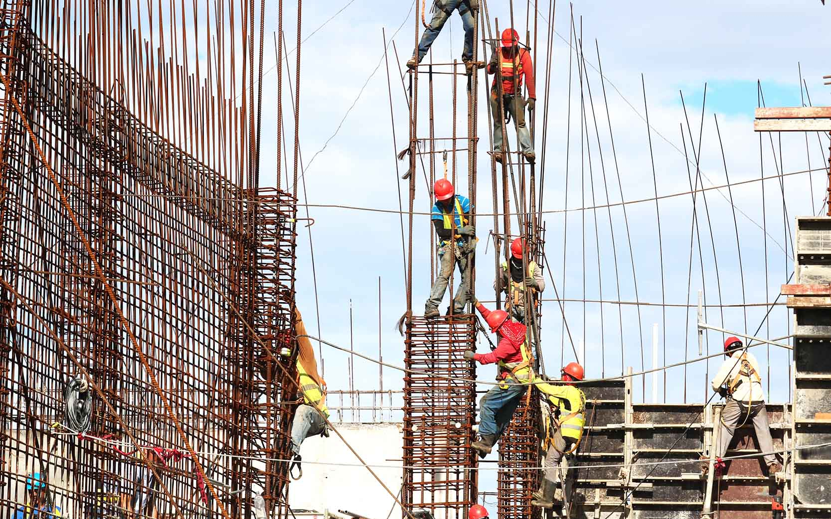 Quais são os principais tipos de EPIs para trabalho em altura?